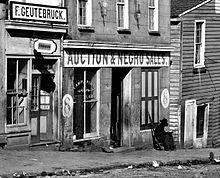 الاســـم:220px-Slave_Market-Atlanta_Georgia_1864.jpg المشاهدات: 335 الحجـــم:15.4 كيلوبايت